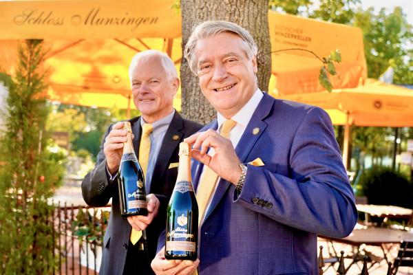 Gratulation-an-die-Sonnenwinzer-DLG-Bundesehrenpreis-Sekt-in-Silber-2020