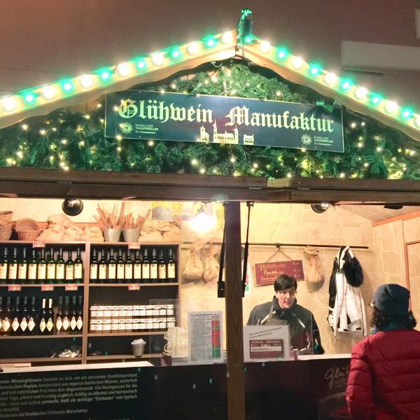 6-Gluehwein-Manufaktur-Mitten-in-Freiburg