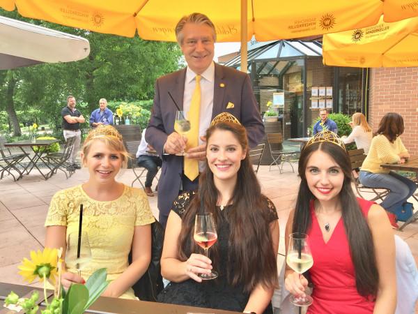 1-Deutsche-Weinhoheiten-besuchen-Sonnewinzer